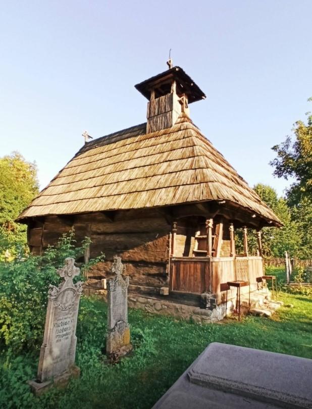 Cum se poate transforma comuna lui Brâncuși într-o destinație turistică, printr-o pagină de Facebook